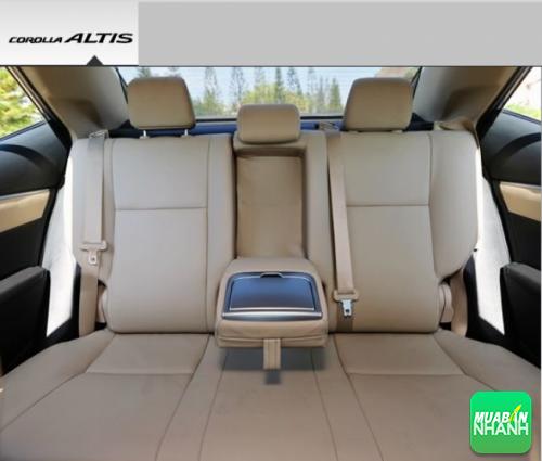 Hàng ghế sau Toyota Corolla Altis 2017
