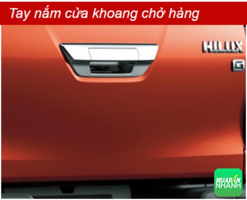Tay nắm cửa khoang chở hàng Toyota Hilux 2016