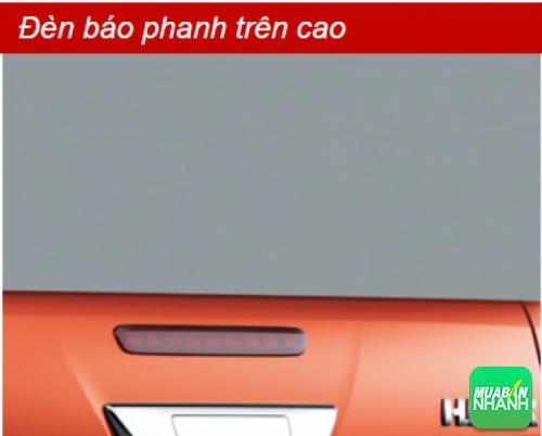 Đèn báo phanh trên cao Toyota Hilux 2016