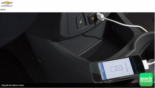 Cổng kết nối USB/AUX (iPod)