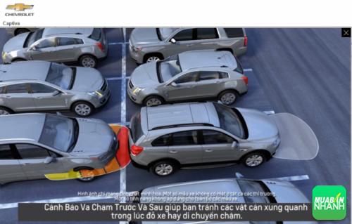Hỗ trợ đỗ xe trước và sau với camera lùi